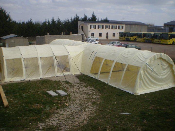 assemblage-de-tentes